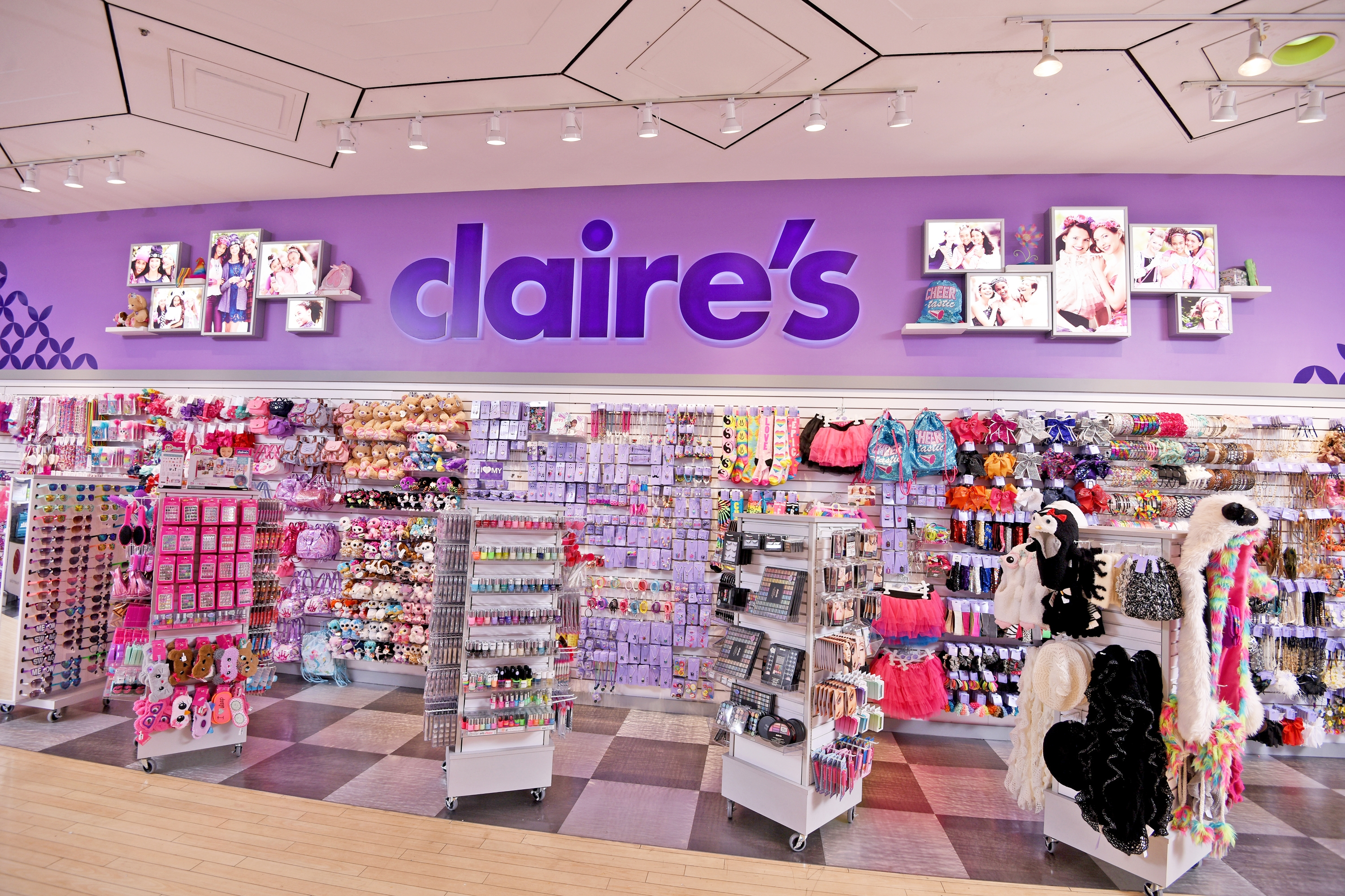 "100 Claire's Branded Shops to Be Open in Toys""R""Us Stores"