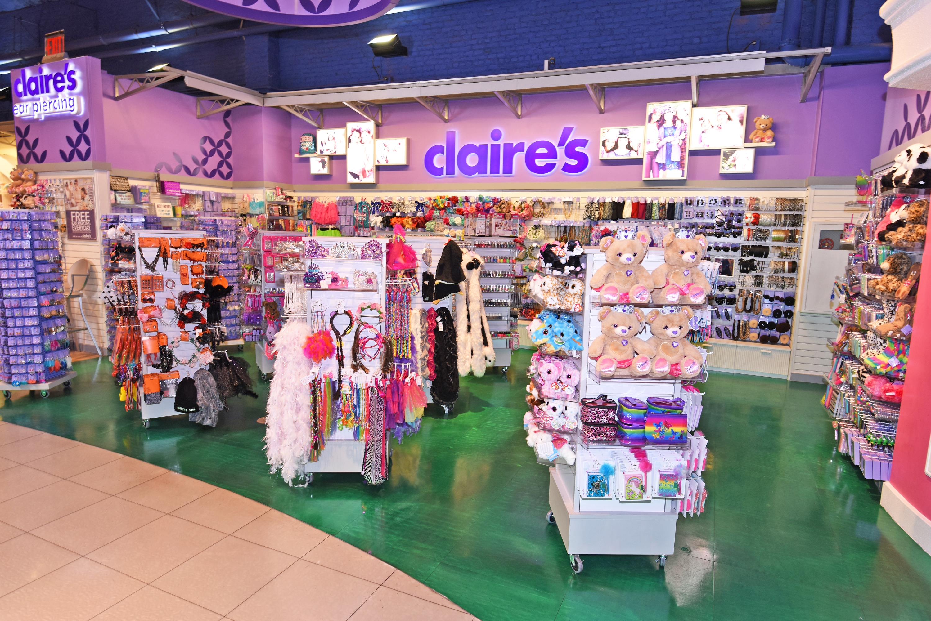 100 Claire S Branded Shops To Be Open In Toys Quot R Quot Us Stores