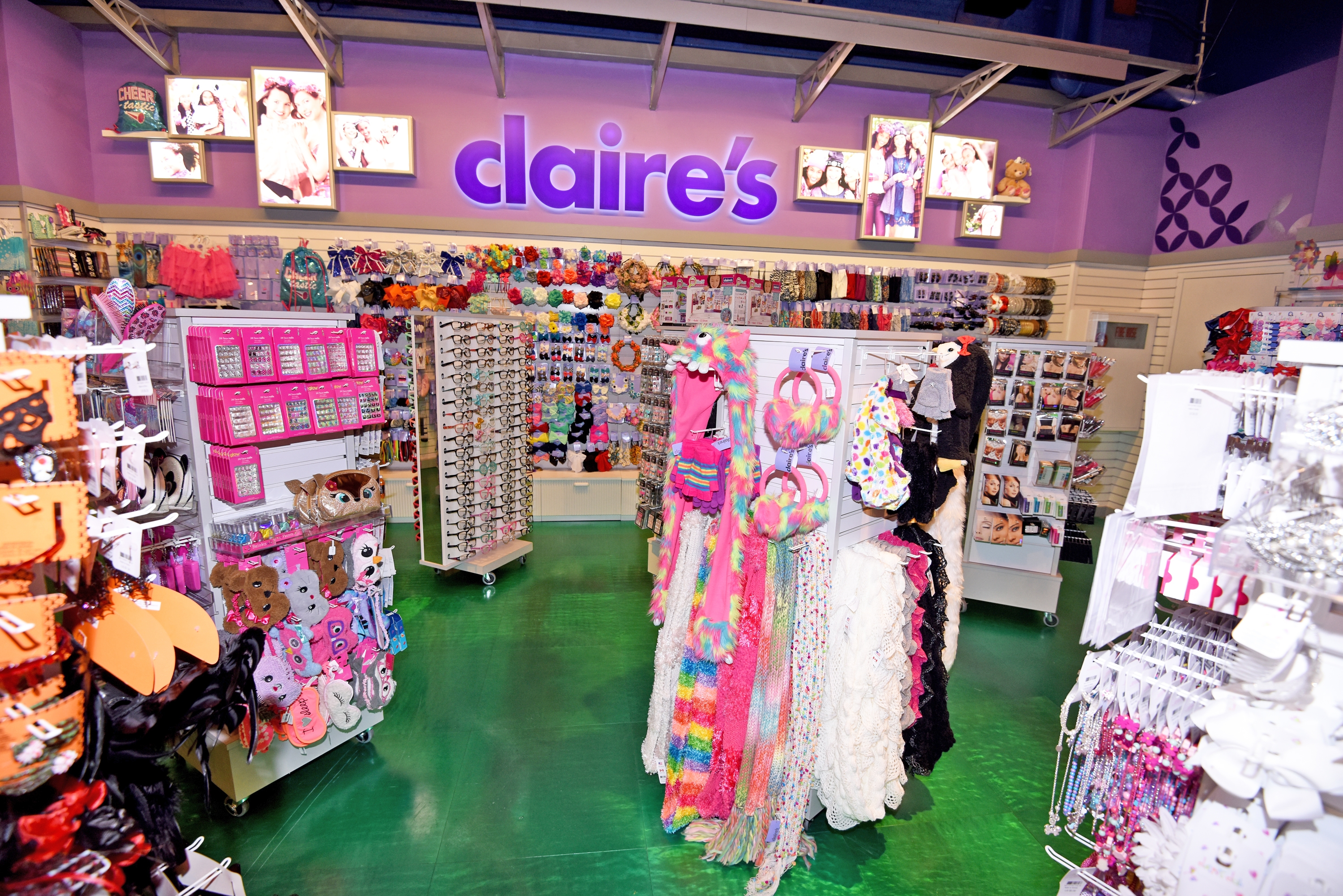 Toys For Tweens : Claire s branded shops to be open in toys quot r us stores
