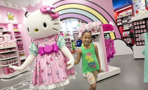 Universal Orlando Resort Hello Kitty Shop CharmPosh
