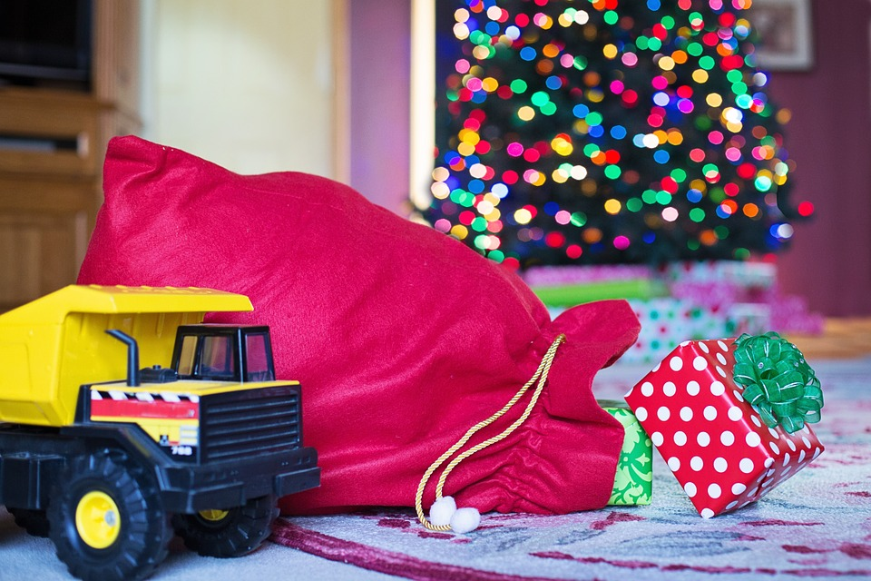 Kids' Holiday Wish Lists, Parents Plan To Purchase Everything From Kids' Holiday Wish Lists