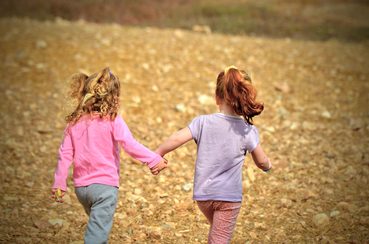 Empathy Kindness, 8 Empathy Kindness Acts For Girls